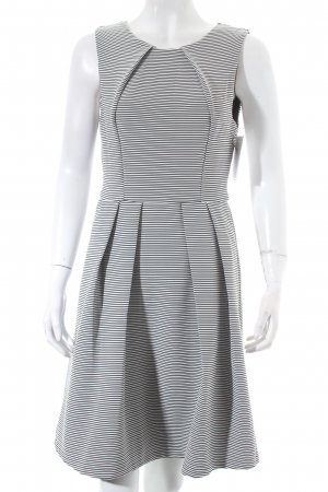 Ark & Co A-lijn jurk zwart-wit gestreept patroon elegant