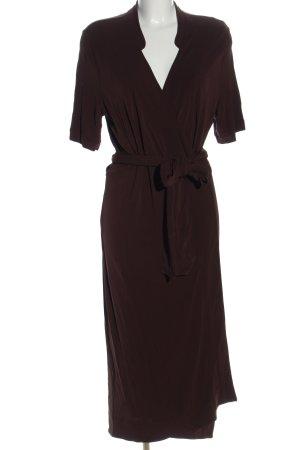 ARKET Kopertowa sukienka brązowy W stylu casual