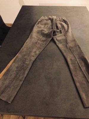 ARMA Pantalon en cuir noir-gris