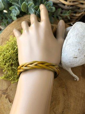 Armband 2.Wahl Leder soft geflochten limettengelb 22x1,1cm Druckknopfverschluß Umfang 16/18cm