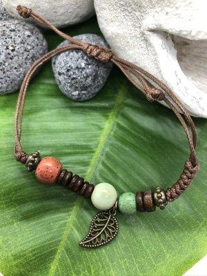 Armband 3 Keramikperlen blassgrün hellgrün lachs Anhänger Blatt