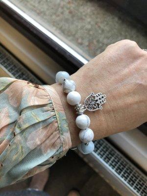 Armband aus Jadeperlen