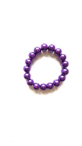 Armband aus lilanen Perlen