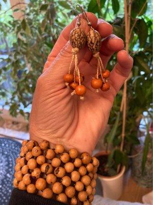 Armband aus Samen mit Ohrringen