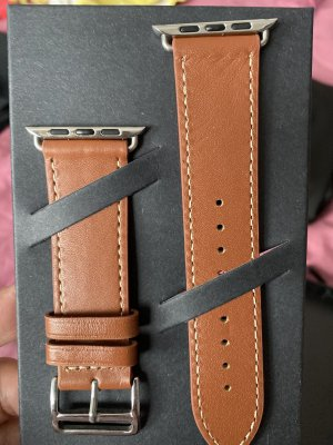 Zegarek ze skórzanym paskiem jasnobrązowy