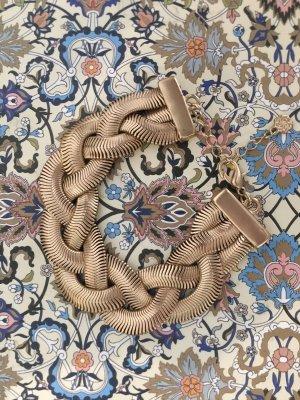 Armband goldfarbig geflochten