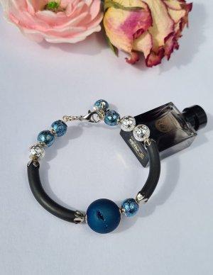 Bracelet en perles noir-bleu foncé