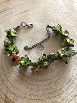 Armband Leder 4 Blüten D. 1,5cm hellbraun grün Halbedelsteine Boho Ethno 25 cm Länge