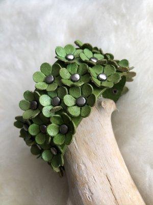 Handmade Skórzane ozdoby na ręce  trawiasty Skóra