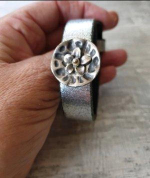 Armband mit 3 Steinen