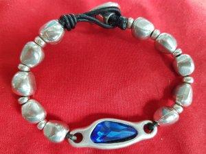 Armband mit blauem Stein
