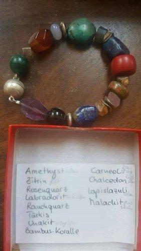 Armband mit echten Steinen