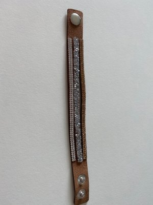 Armband mit Glitzersteinchen