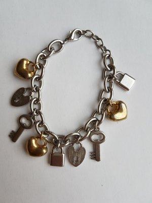 Armband mit Glücksbringern
