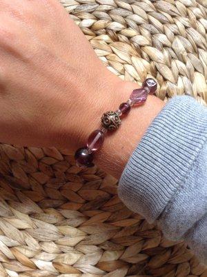 """Armband mit lilafarbenen Glasperlen von """"I am"""""""