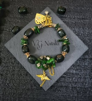 Armband mit Natursteine