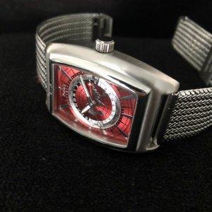 Porta Zegarek z metalowym paskiem srebrny-głęboka czerwień Metal