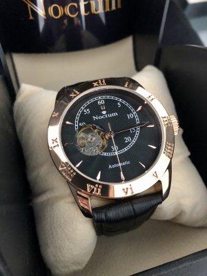 Armband Uhr mit schwarzem Diamant