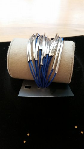 Armband zum Sommer in blau