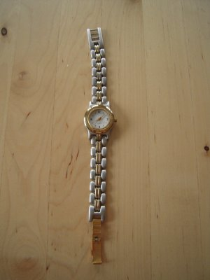 Yves Rocher Watch With Metal Strap silver-colored-gold-colored metal