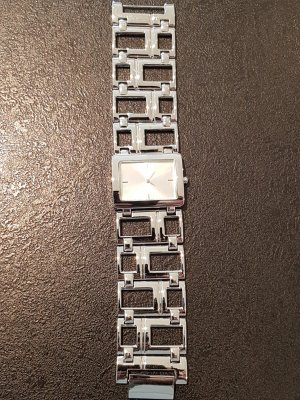 Watch With Metal Strap light grey