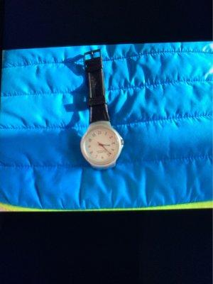 Benetton Reloj con pulsera de cuero negro-blanco