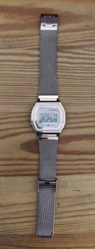 Casio Horloge met metalen riempje roségoud