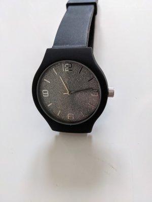 Armbanduhr schwarz/ Zifferblatt silber