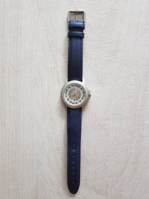Armbanduhr von Esprit, silberne Lunette, blaues Lederarmband