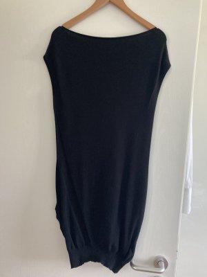 Armfreies schwarzes Kleid von Patrizia Pepe