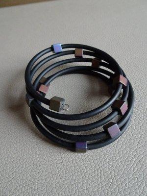 Jonc noir-violet