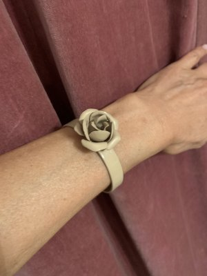 Armreif mit Rose