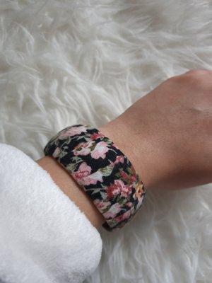 Armreifen Armring schwarz Blumenmuster neuwertig!