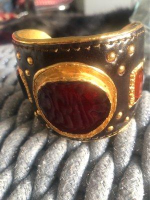 Bracelet de bras brun foncé