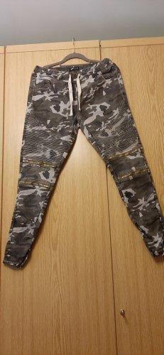 New Yorker Spodnie rurki Wielokolorowy