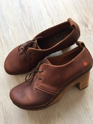 The Art Company Lace-up Pumps brown