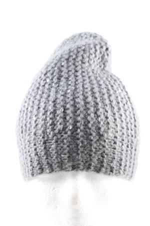Chapeau en tricot gris clair style décontracté