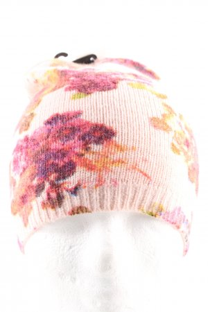 Knitted Hat abstract pattern casual look