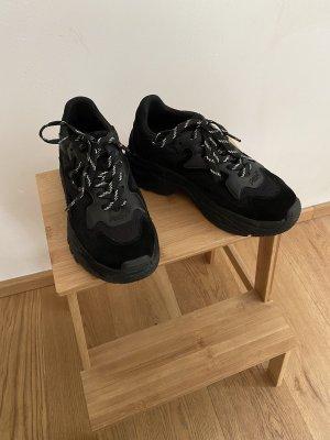 ASH Basket à talon noir