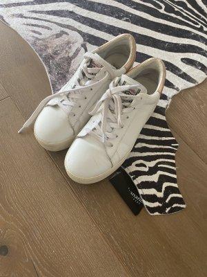 Ash Plateau Sneaker