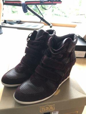 Ash wedge sneaker