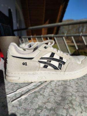 Asics Slip-on Sneakers white