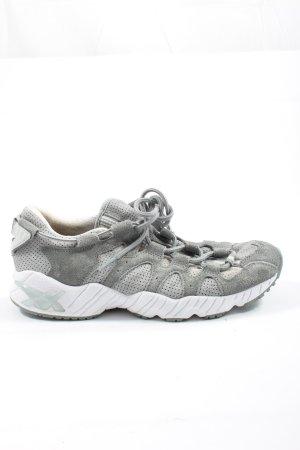 Asics Basket à lacet gris clair-blanc style décontracté