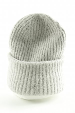 Asos Beanie light grey cable stitch