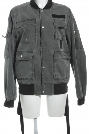 Asos Blouson schwarz-grau Street-Fashion-Look