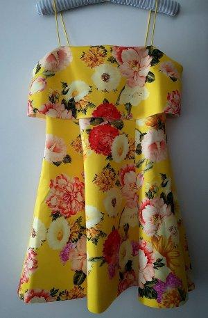 ASOS. Ein schönes, helles Kleid.  40 Größe.  NEU.