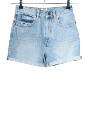 Asos Jeansshorts blau Street-Fashion-Look