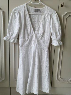 Asos Kleid mit Stickereien und Volant // Neu Zara Mango Nakd H&m