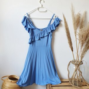 Asos Kleid Sommer Rüschen blau Cosplay Schulterfrei