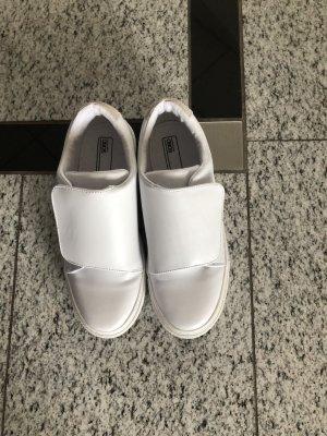Asos neu Sneaker in weiß